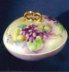 Antique (Circa 1900) Limoge-France Powder~Dresser Jar ~ William Guerin