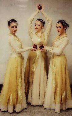 Տարազ- Armenian National Clothing - Taraz...