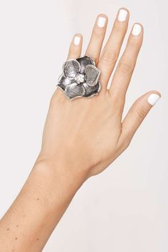 Full Bloom Flower Ring | Shop Accessories at Nasty Gal!