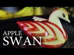 Sie schneidet den Apfel kaputt. Was dabei rauskommt, ist ein Meisterwerk.