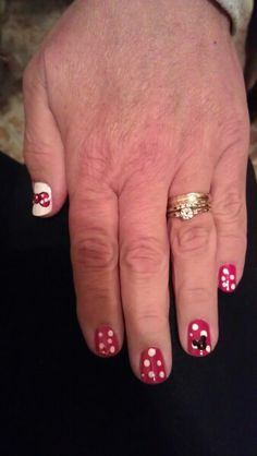 Minnie mouse nail art by Emma!