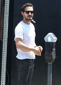 Shia LaBeouf Holds Car Keys In Mouth - http://oceanup.com/2014/06/18/shia-labeouf-holds-car-keys-in-mouth/