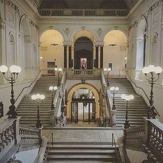 Restaurant Bar, Vienna, Austria, Restaurants, Mansions, House Styles, Home, Decor, Alone