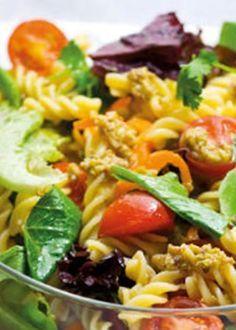salada de Fusilli com pesto de azeitonas Vegetable Recipes, Vegetarian Recipes, Cooking Recipes, Healthy Recipes, Fusilli, Pesto, Salad Recipes, Healthy Eating, Healthy Food