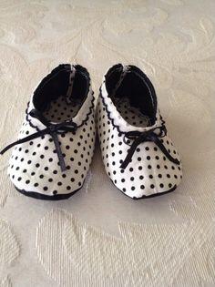 Cute Newborn Shoes Newborn Size 1 Marilyn Style door TheRabbitsHat