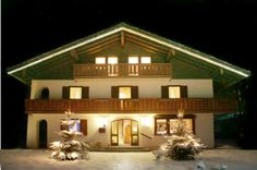 Landhaus Sonnenstern - Weihnachten - christmas Virtual Tour, Tours, Mansions, House Styles, Home Decor, Farmhouse, Christmas, Decoration Home, Manor Houses