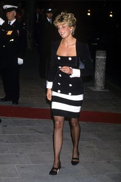 June 23, 1992: HRH Diana, Princess of Wales attending the Royal Albert Hall gala dinner in memory of Sammy Davis Jr.
