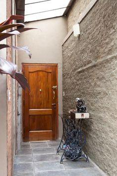 Norma, Antonela y Sofía. Casa de dos pisos, patio cubierto y terraza en Mataderos, Ciudad de Buenos Aires.