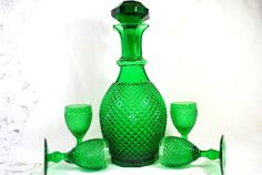 Hey, I found this really awesome Etsy listing at https://www.etsy.com/listing/227879623/vintage-decanter-with-stopper-and