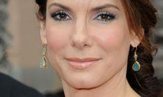 10 makes da Sandra Bullock para inspirar vocês! http://www.feminices.blog.br/pele-madura-10-looks-da-sandra-bullock-para-se-inspirar/