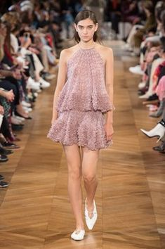 20bd1319e0 Stella McCartney Spring 2019 Ready-to-Wear Fashion Show Collection  See the  complete