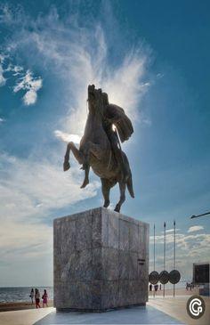 Alexandre Le Grand, Macedonia Greece, Greek Beauty, Alexander The Great, Acropolis, Thessaloniki, Ancient Greece, Greek Islands, Public Art