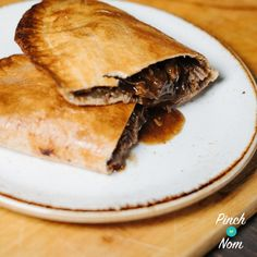 These Beef & Onion Pasties are so good that you won't believe you can enjoy them on the slimming friendly diet plan like Weight Watchers! Onion Recipes, Beef Recipes, Cooking Recipes, Slow Cooking, Recipies, Healthy Recipes, Slimming World Beef, Slimming Eats, Chicken And Sweetcorn Pizza