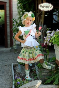 .Umbrella Applique, Green Rosette Skirt