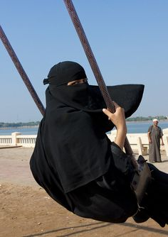 """Having fun in Jeddah - Saudi Arabia"" by Eric Lafforgue Arab Girls Hijab, Muslim Girls, Muslim Women, Muslim Couples, We Are The World, People Of The World, In This World, Hijab Niqab, Mode Hijab"