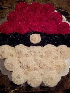 POKEBALL CUPCAKE CAKE