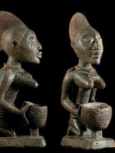 Cup Bearer, Yoruba Nigeria, Figures - Tribe Yoruba Yorouba - Old African Cup Bearer Used for Royal