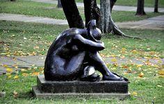 Escultura en Tierra de Nadie UCV by Ninoska Enriquez.