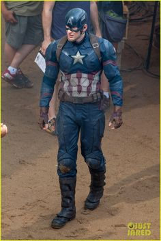 chris evans suits up for captain america 06 Chris Evans gets ready to shoot some action packed scenes for his upcoming Marvel film Captain America: Civil War on Monday (May 18) in Atlanta, Ga.     The 33-year-old…