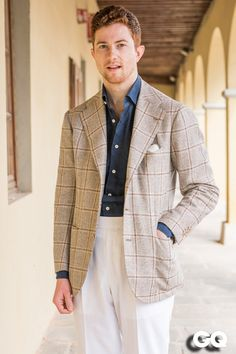 Jake Grantham (The Armoury) Source: GQ Italia - Pitti Uomo 88 Photography: Monsieur Jerome source More menswear & suits! Vintage Man, Style Vintage, Style Gentleman, Style Masculin, Style Outfits, Summer Suits, Fashion Moda, Gents Fashion, Style Casual