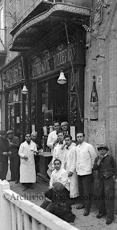 """Ristorante e pizzeria """"Da Ciro"""" a Santa Brigida. (sottotitolo- na sigaretta mocca, na mano dint' 'a sacca) Fondo Troncone  1934"""