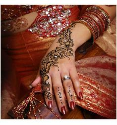 Mehndi Beaded Hand