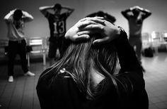 De regresso ao Projecto Ecoar Desta vez estou com a Helena Oliveira  andei pelo Estabelecimento Prisional de Santa Cruz do Bispo.Projecto desenvolvimento promovido pela PELE durante o ano 2015 #publicofoto  #projecto #art #salto #pretoebranco #black #blackandwhite #day #gallery by jpaulopimenta