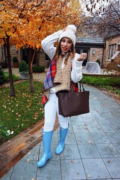 waterfall vest, plaid vest, Christmas style, holiday style, white cable knit sweater, white pom pom hat, blue hunter boots, blue and white, winter whites, sky blue hunters, Christmas rain boots, tory burch york