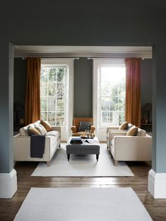 Design advice for living room layouts Beige Living Rooms, New Living Room, Home And Living, Living Area, Hallway Seating, Fixer Upper Living Room, Sofa Layout, Interior Design Advice, Fabric Armchairs