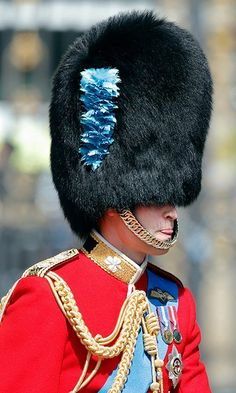 You can't see Prince William's eyes but you can see his tongue! The royal was in his guardsman uniform and bearskin hat during a rehearsal for Trooping the Colour in Photo: © Max Mumby/Indigo/Getty Images Prince Philip, Prince William, Queens Guard, British Armed Forces, Royal Guard, Heathrow Airport, Save The Queen, Royal Weddings, Princess Charlotte