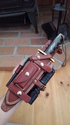 repair and modify the Randall sheath Leather Art, Custom Leather, Leather Tooling, Axe Sheath, Knife Sheath, Bushcraft Knives, Tactical Knives, Cool Knives, Knives And Swords