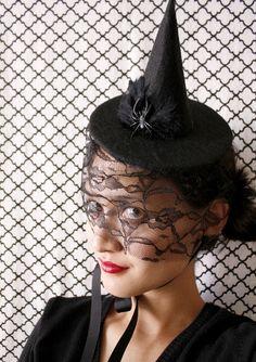 Halloween Hatt-ettes from Delia Creates