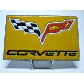 Plaque en pierre de Volvic émaillée du logo de la marque de voiture américaine Chevrolet Corvette. Idéal pour décorer votre intérieur grâce à cette pièce de collection unique . Prix : 78€ TTC