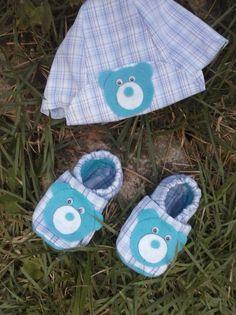 Kit sapatinho de baby de vários modelos e cores de 0 - 12 meses. muito confortável e bem levinho p/ deixar seus ninos bem á vontade.........