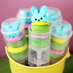 easter peep pops  loveeee! Originally from/ How to make: http://www.lovefromtheoven.com/2011/03/28/cupcake-push-pop-peeps/