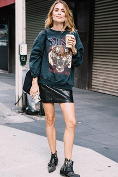 edgy outfits Edgy at heart? These looks are for you. This season, consider these edgy fall outfits you'll undoubtedly stun in. Grunge Outfits, Edgy Fall Outfits, Street Style Outfits, Mode Outfits, Trendy Outfits, Simple Edgy Outfits, Party Outfits, Older Women Fashion, Womens Fashion
