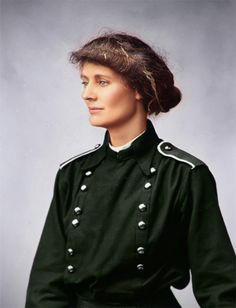 Information on Countess Constance Markievicz and her important role in the 1916 Easter Rising. Also includes the first full colorized photo of the Countess. Irish Nationalism, Irish Restaurants, Irish Independence, Die Revolution, Easter Rising, Irish Language, Irish Eyes Are Smiling, Erin Go Bragh, Ireland