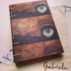 Caderno especial, para uma geógrafa, com saquinho bordado e tudo.