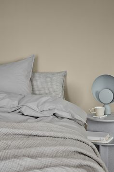 Gorgeous Color and Styling Inspiration by Jotun - Nordic Design Small Bedroom Colours, Bedroom Wall Colors, Wall Paint Colors, Jotun Lady, Interior Inspiration, Style Inspiration, Nordic Design, Home Bedroom, Bedrooms