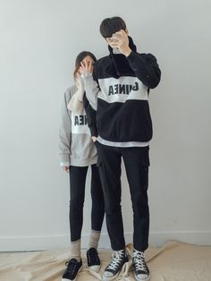Korean Fashion: Couple Look♥ Great outfit ideas/looks for couples to wear  . Korean Fashion Trends, Korean Street Fashion, Kpop Fashion, Asian Fashion, Couple Look, Couple Style, Cute Couple Outfits, Mode Ulzzang, Korean Couple