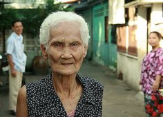 waiting for grandma  | by the foreign photographer - ฝรั่งถ่