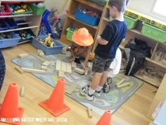 Construction theme ideas Great idea for making printing blueprints. Toddler Preschool, Preschool Activities, Community Helpers Art, Under Construction Theme, Block Area, Block Center, Daycare Themes, Creative Curriculum, Play Centre