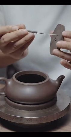 Slab Pottery, Pottery Bowls, Ceramic Pottery, Pottery Art, Ceramic Teapots, Ceramic Clay, Pottery Teapots, Pottery Lessons, Pottery Videos