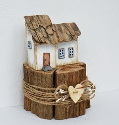 Handmade Litfle House made using weathered oak and reclaimed wood and hand painted using acrylics. Measures approx 15cm x 10cm. Sweet Gifts Wooden Decor Eco Gifts Wood Houses Small Cottage Driftwood Houses Village Cottage Wooden Houses Little Models Home