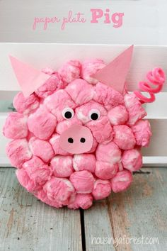 Cotton Ball Pig ~ Adorable farm animal Paper Plate craft.
