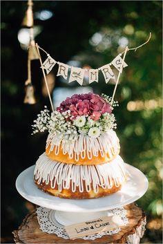 two tier bunt wedding cake @weddingchicks