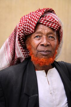 Portrait of a man in Harar, Ethiopia    Photo by Pascal Mannaerts