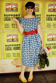 love this dress... now if I can just find the pattern, Simplicity 3864. cute cute.