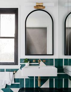 The Best of Belle Coco Republic Interior Design Awards 2018 Bathroom Interior Design, Home Interior, Decor Interior Design, Interior Decorating, Interior Livingroom, Beautiful Bathrooms, Modern Bathroom, Master Bathroom, Bathroom Tiling