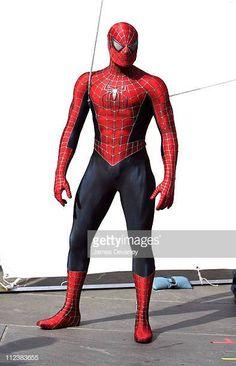 "Filming of ""Spider-Man on Location in Lower Manhattan Lower Manhattan, Spiderman Costume, Spiderman Art, Mundo Marvel, Marvel Dc, Spiderman Sam Raimi, Spectacular Spider Man, Spider Man 2, Hero Costumes"